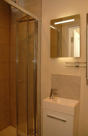 Sole Use Shower Room