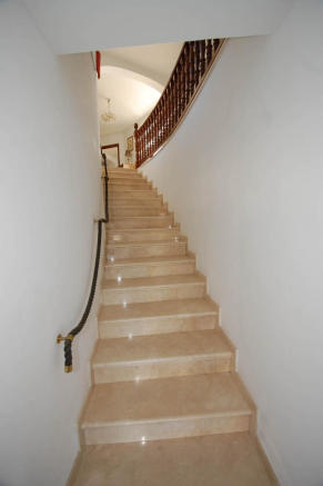 Stair to bedroom 4