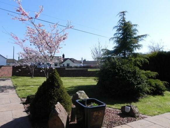 F garden (Property Image)