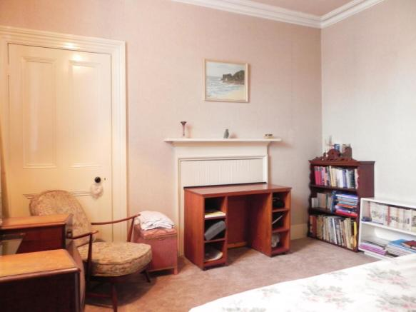 Rear R Bed 1 (Property Image)