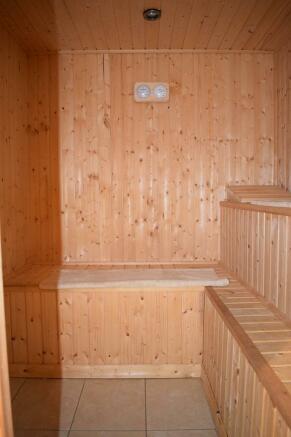 Sauna 1 (Property Image)