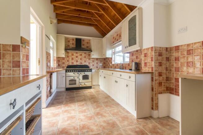 Kitchen Area L Shape