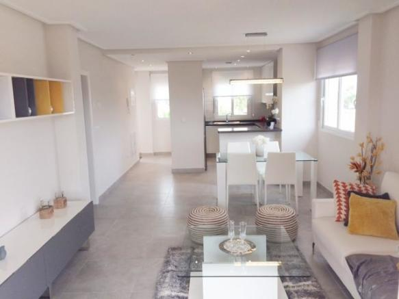 2 bedroom Apartment in Villamartín, Alicante