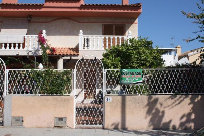 3 bedroom Semi detached villa in Torre de la Horadada, Alicante