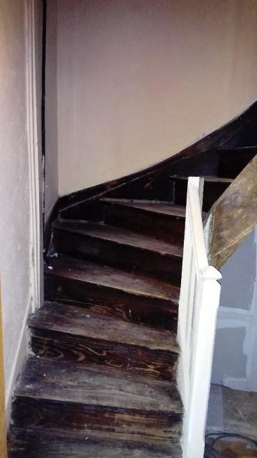 Stairs to 1st floor