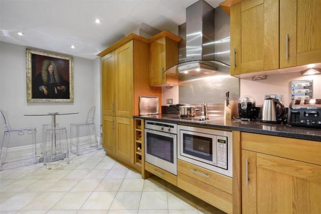 FB - Temple House - Kitchen Angle3 (1).JPG