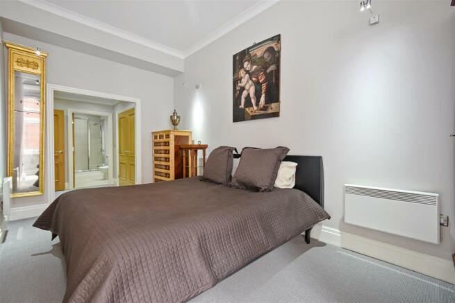 FB - Temple House - BedroomA3 (1).JPG