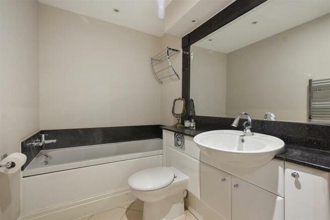 FB - Temple House - Bathroom3 (1).JPG