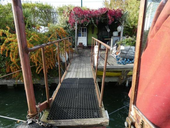 Access to the boat