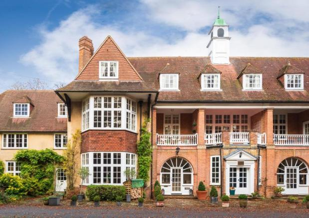 Chiltern House - The Old Clubhouse