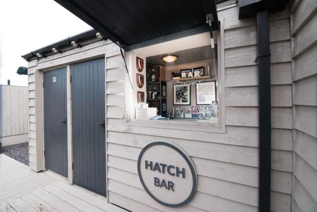 Hatch Bar