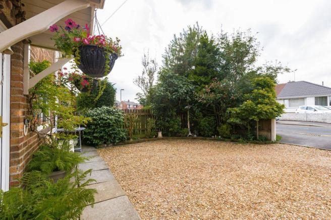 Front Garden P...