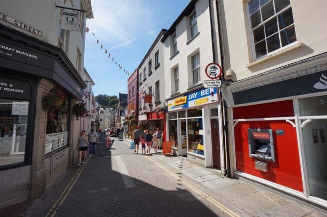 retail property  high street  for sale in westgate street  launceston  pl15
