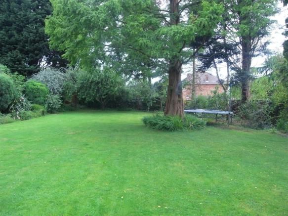 Millbrook11.Gardens2.jpg