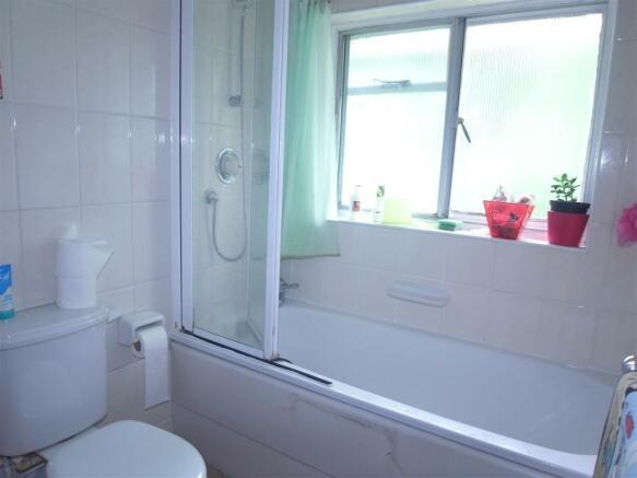 Millbrook11.Bathroom.jpg