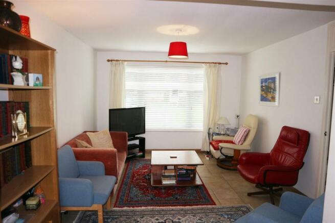 Foxwarren25.Lounge2.jpg