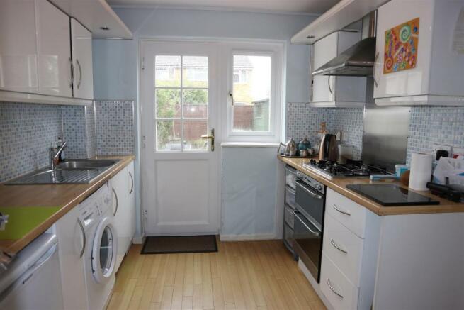 Foxwarren25.Kitchen1.jpg
