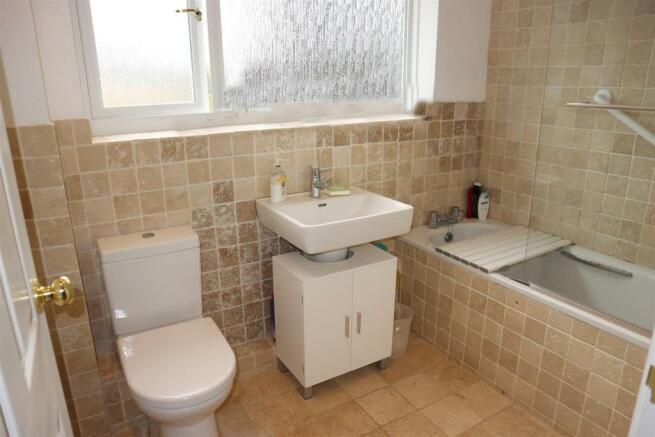 Foxwarren25.Bathroom.jpg