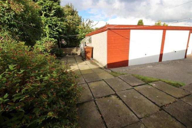 REAR GARDEN AND DOUBLE GARAGE