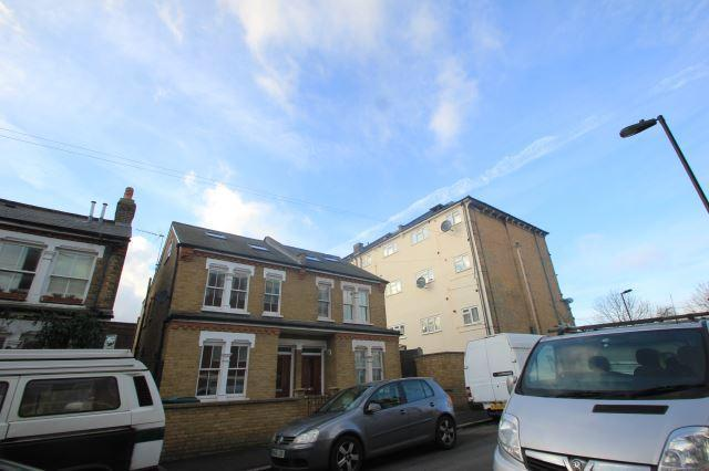 2 bed flat to rent in Boyton Road, Alexandra Palac