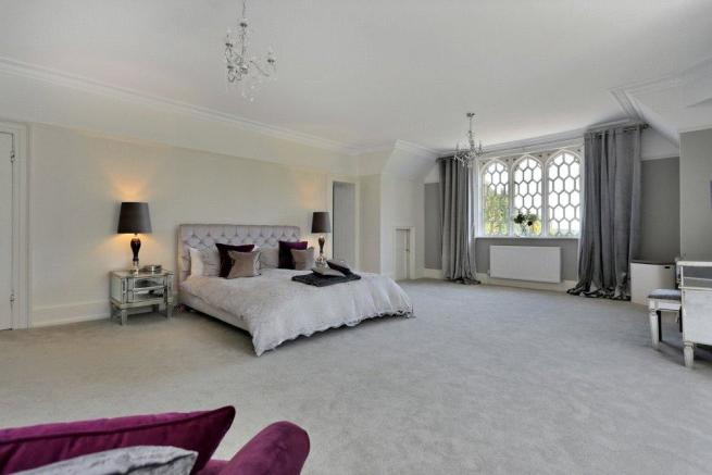 Masetr bedroom