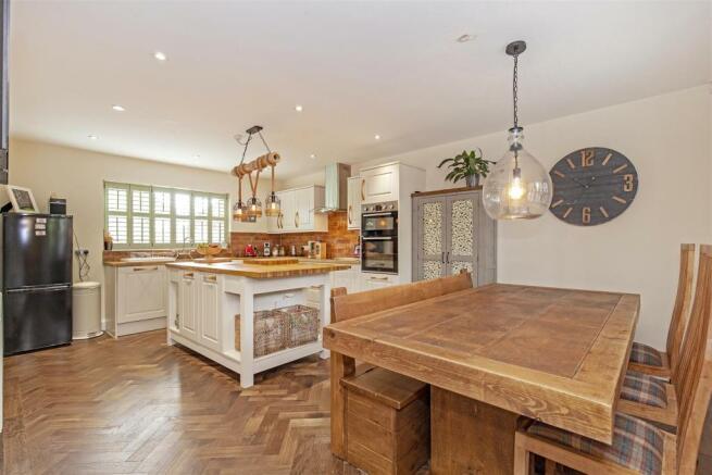 Kitchen_Dining Room-1.jpg