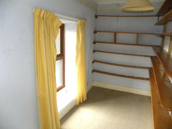Front Bedroom/ Study