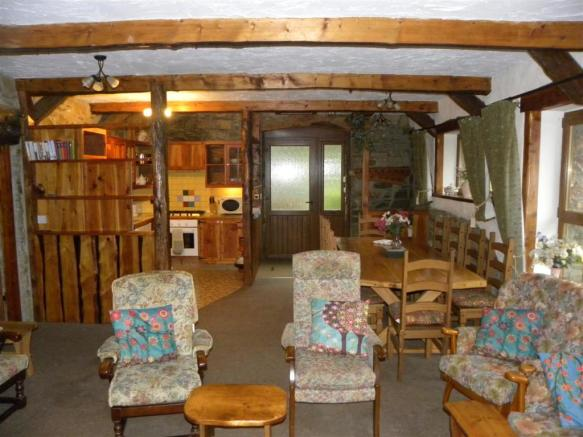 OLD WATER MILL COTTAGE (Sleeps 10 + Cot):