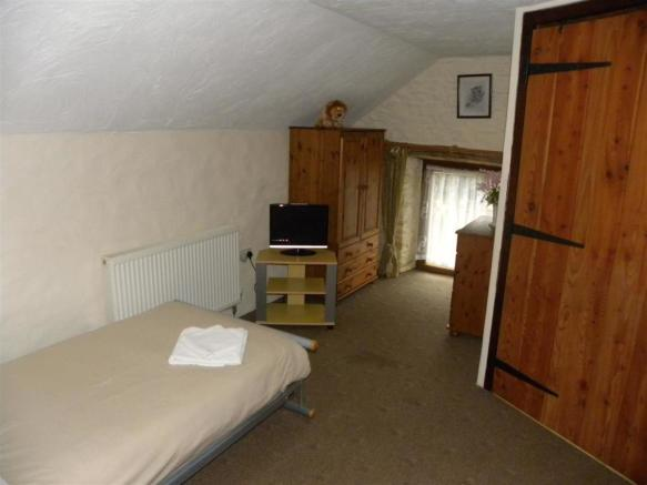 DISABLED FRIENDLY BEDROOM