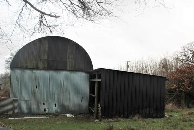 Dutch Barn with Lean To