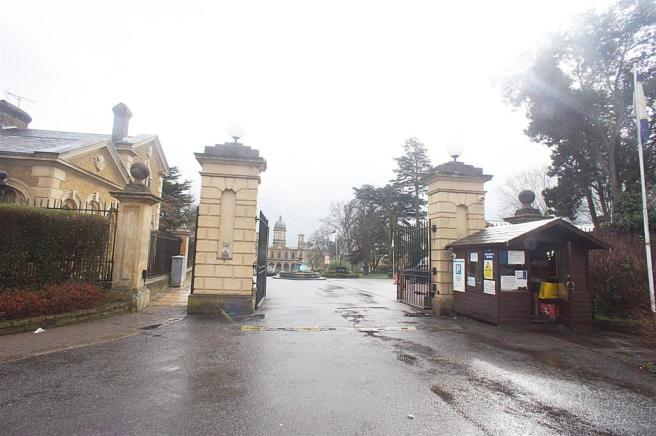 GATED FRONT.JPG