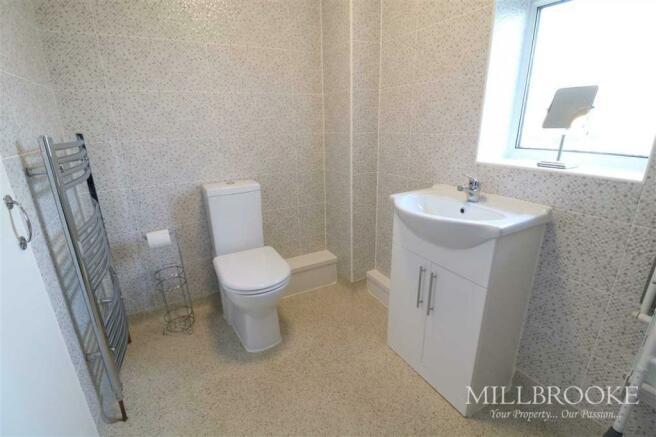 Bathroom (Shower wet