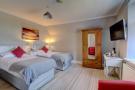 Double Bedroom 2 with En-suite