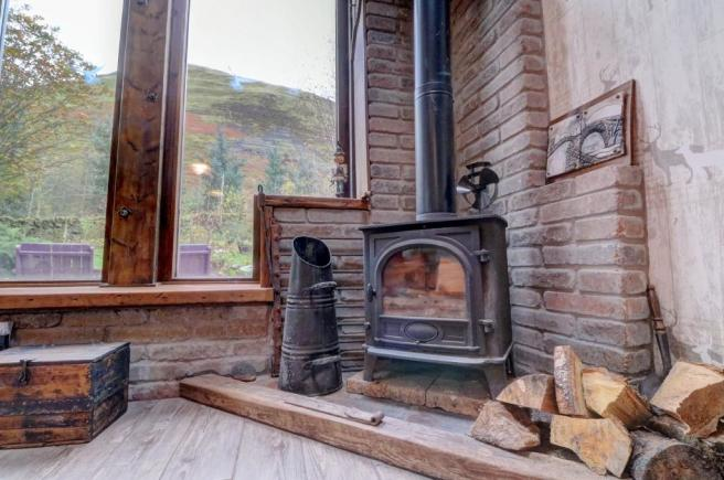 Lounge/Diner Log Burning Stove