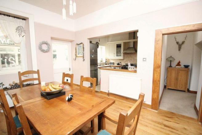 4 Bedroom Detached House For Sale In Silver Street