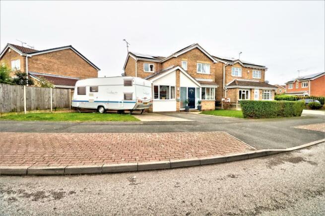 4 bedroom detached house for sale in Fairways Drive ...