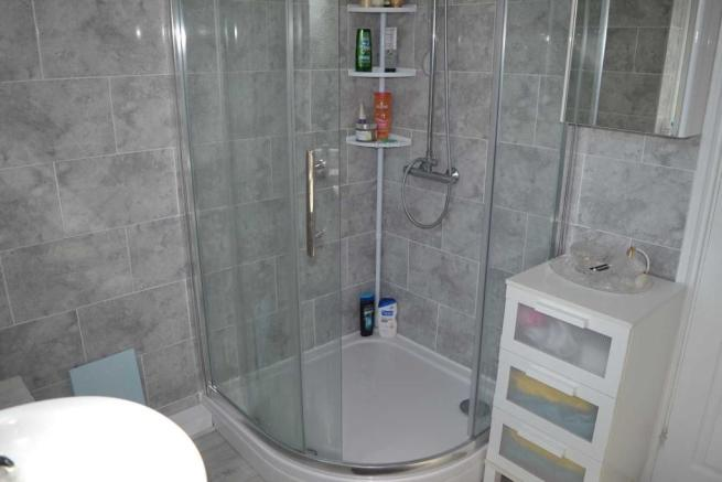 Shower Room (View 2)