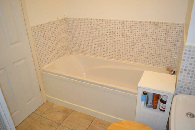 Bathroom - Pic 2