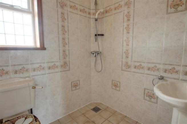 1 wet room 1.jpg