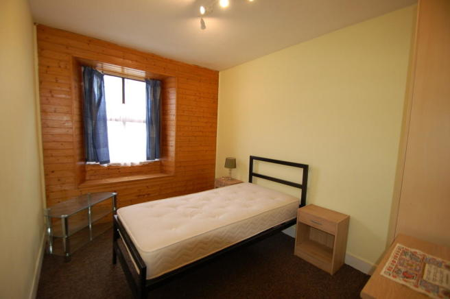 Bedroom 2, pic 2