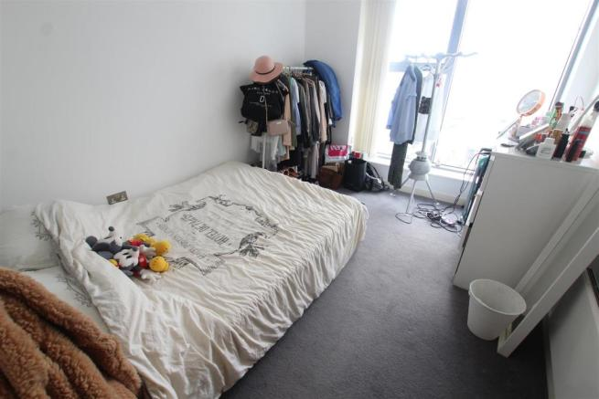97 Princes Dock Bedroom1 (2).JPG