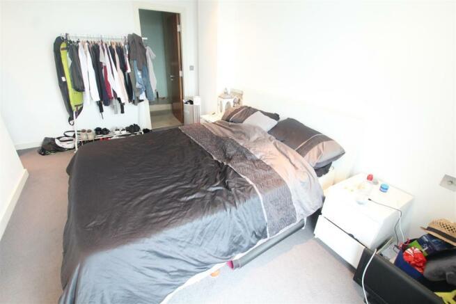 97 Princes Dock Bedroom2 (3).JPG