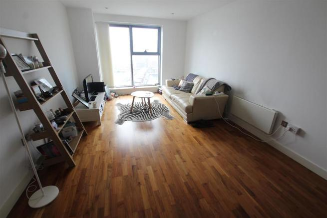 97 Princes Dock Living Room (2).JPG