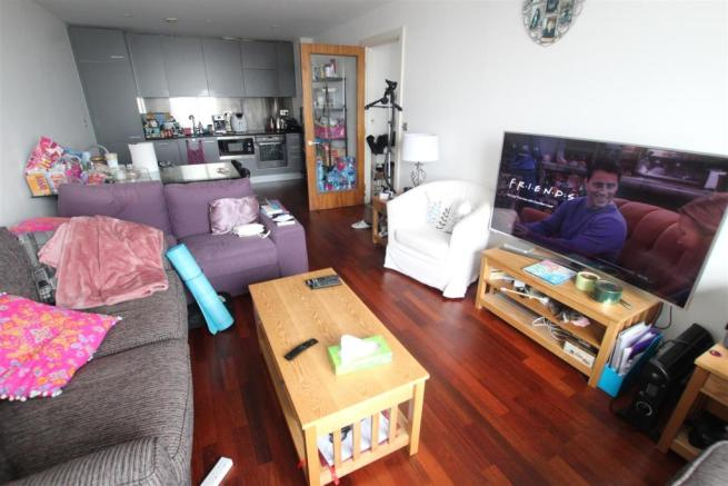 92 Princes Dock Living Room (2).JPG
