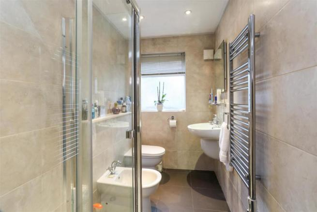 261352228 - 4 willow cottages, watermead lane SM5