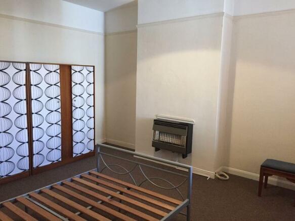 Flat B - Bedroom