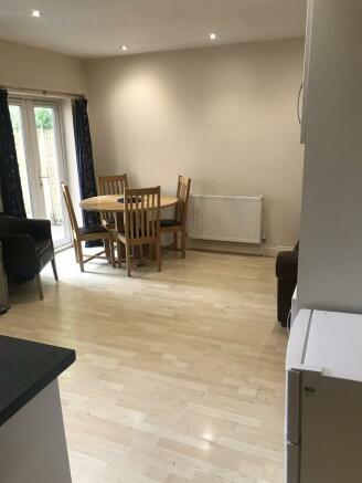 kitchen/lounge ar...