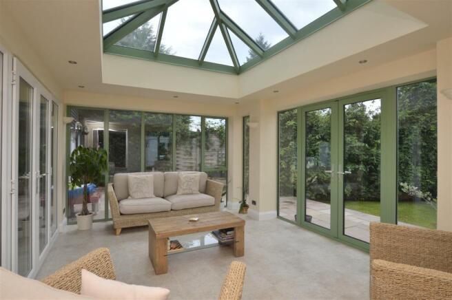 Feature Garden Room