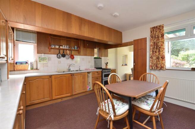 Breakfast Room/Dining Area