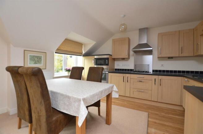 Superb Open Plan Living Lounge/Dining Room/Kitchen